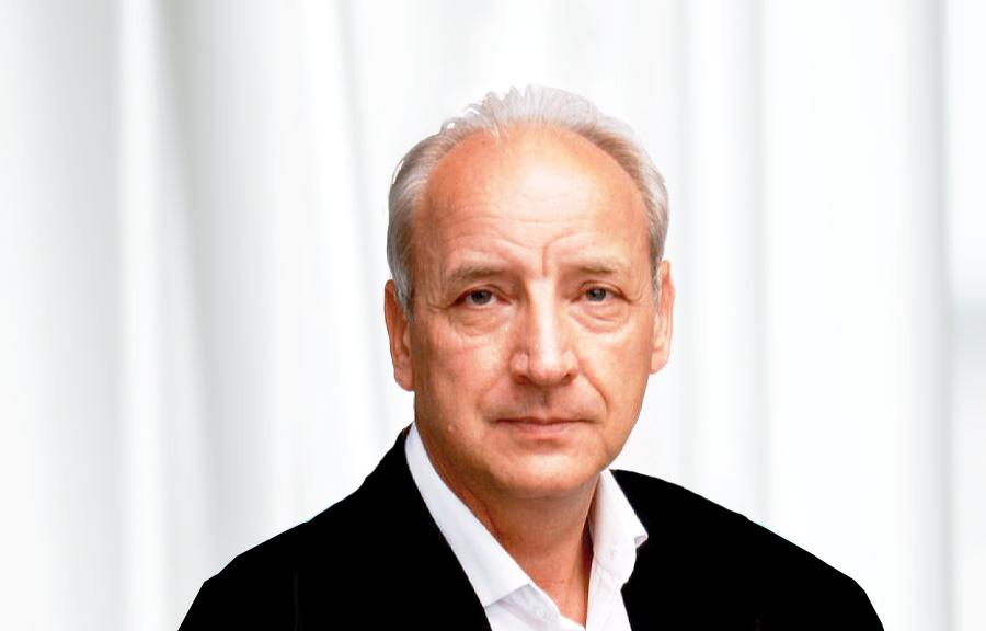 Dr. Freiberg